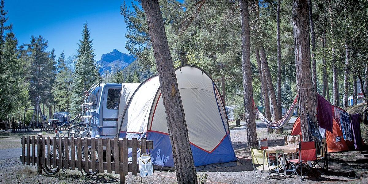 Découvrez Sisteron autrement en séjournant au camping le Fontarache !