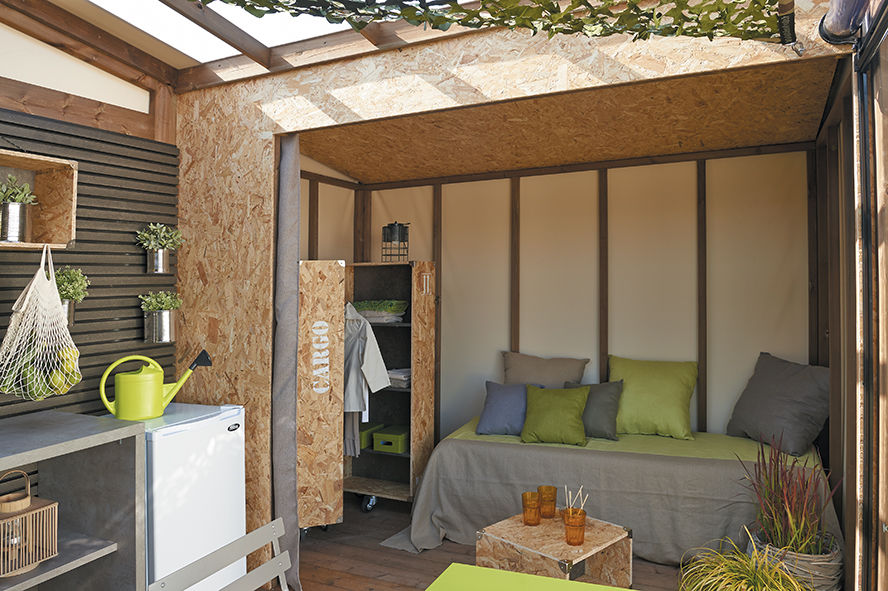Trouvez des emplacements et des hébergements de luxe au camping Slow Camp !